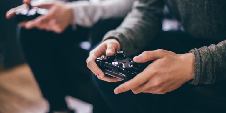 Η νέα γενιά Xbox παρουσιάστηκε από τη Microsoft - Τι ετοιμάζει η Sony (VIDEO)
