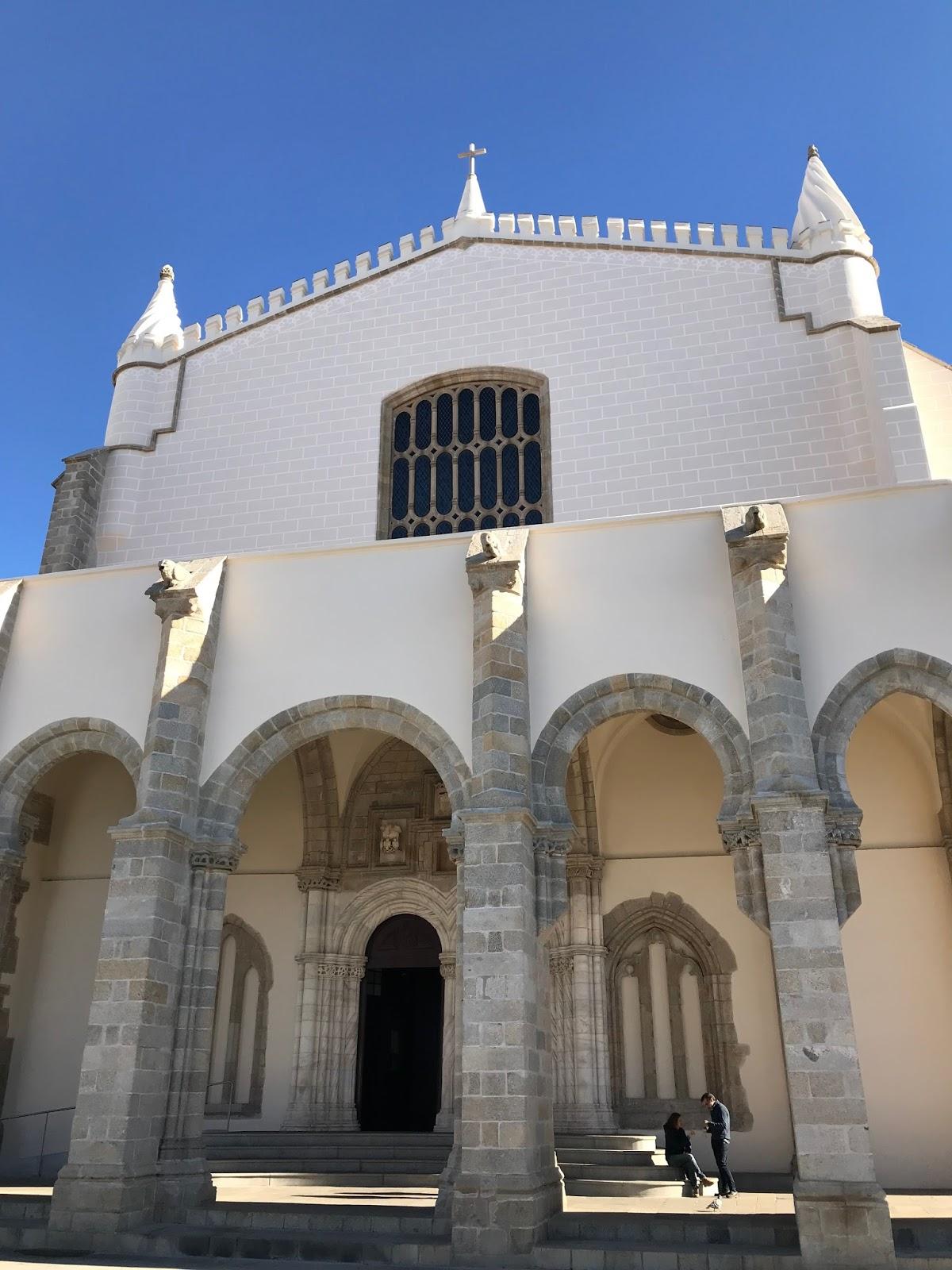 Igreja de São Francisco e a Capela dos Ossos - Évora