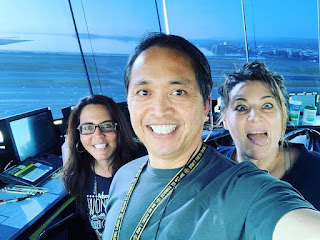 Sam Pono: With 17 days left to retirement and practically no traffic, might as well take a #selfie with the girls.