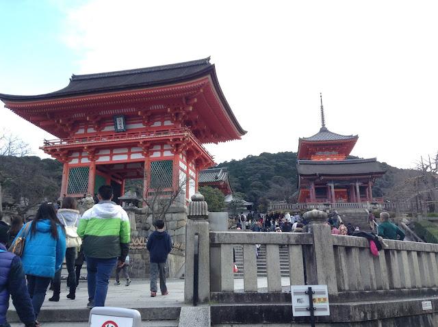 Kiyomizudera front gate