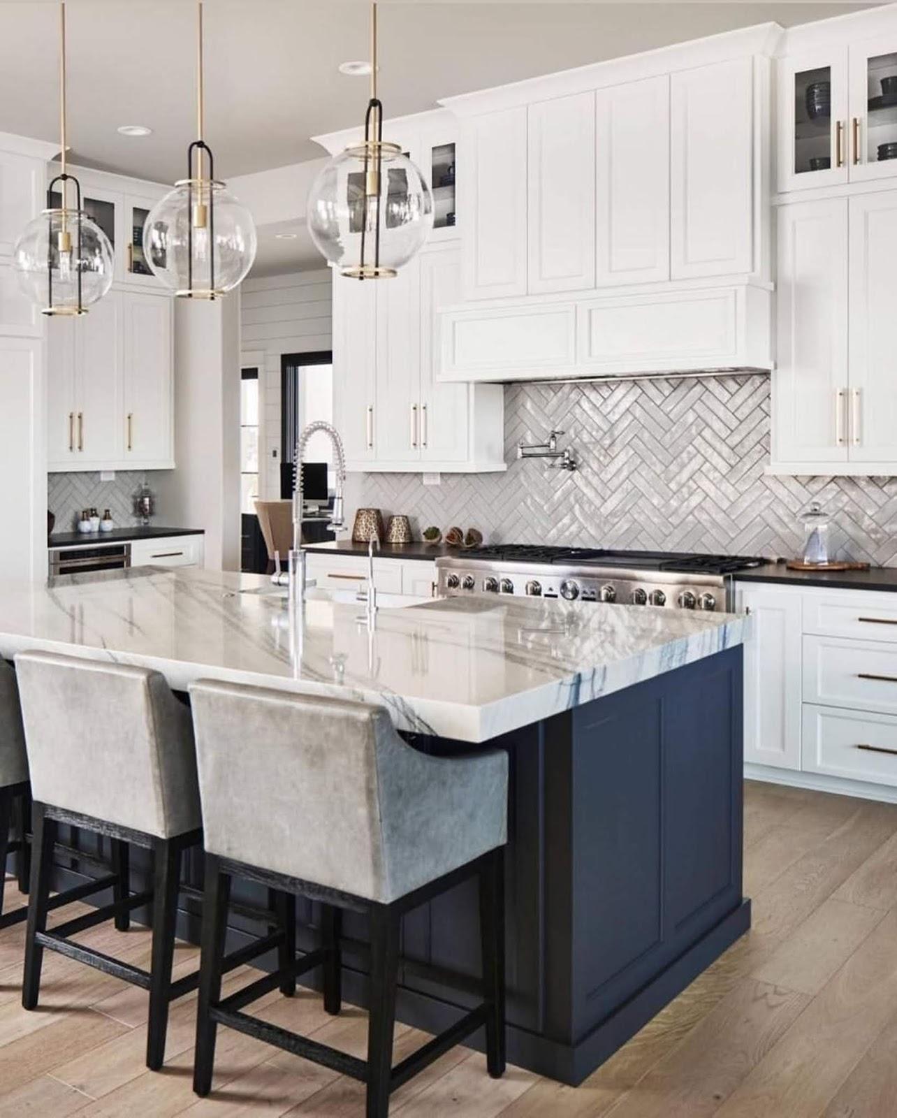 Adorable White Kitchen Design Idea