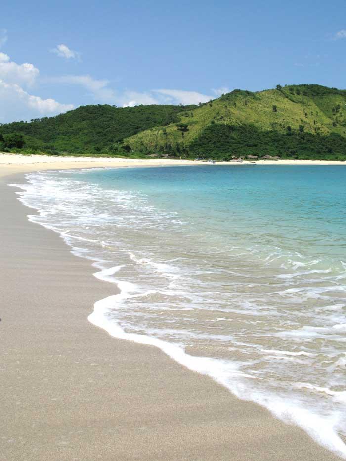 Daya Tarik Wisata Pantai Mawun Lombok