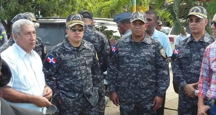Director de la Policía Nacional inspecciona cuarteles en Este