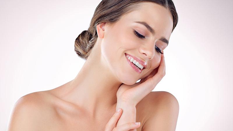 Cách dùng kem mắt giúp bờ môi thêm xinh cùng với tinh dầu bưởi thần kỳ