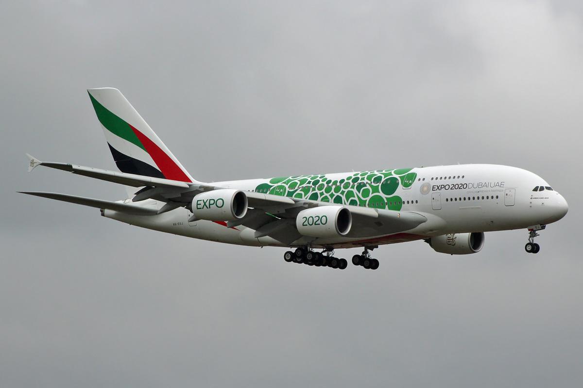 Emirates A6-EOJ