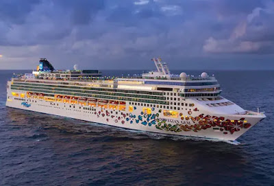 Norwegian Gem Sails Panama Canal Cruise From New York sailing to the Southern Caribbean, Central America the Mexican Riviera and West Coast
