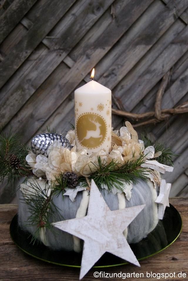 Adventsgesteck mit Wollkranz, Silberblättern, Kiefernzweigen in Weiß