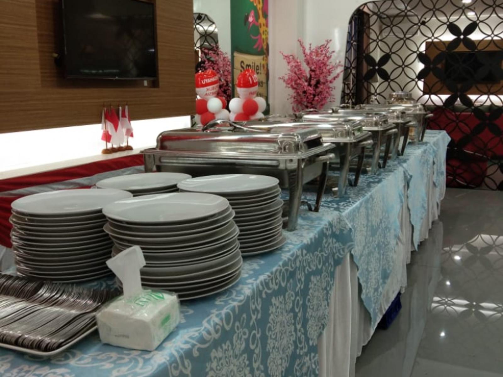 Catering Prasmanan Taplak Batik Biru Muda
