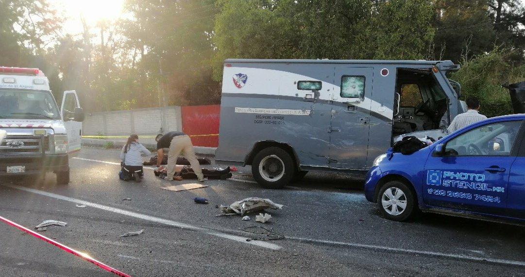En el Arenal; Jalisco con armas de grueso calibre asaltan camión de valores y ejecutan a 3 custodios