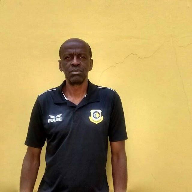 Ídolo do Bragantino, Souza segue carreira como técnico na base do São Bernardo