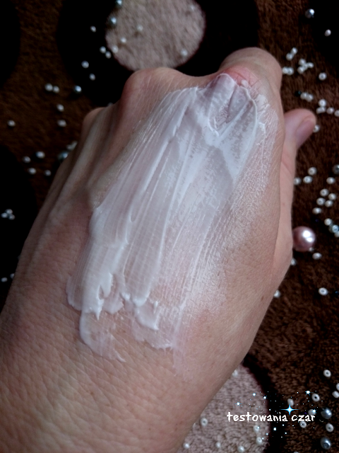 emolient, krem do suchej skóry, sucha skóra, pielęgnacja, krem dla dzieci