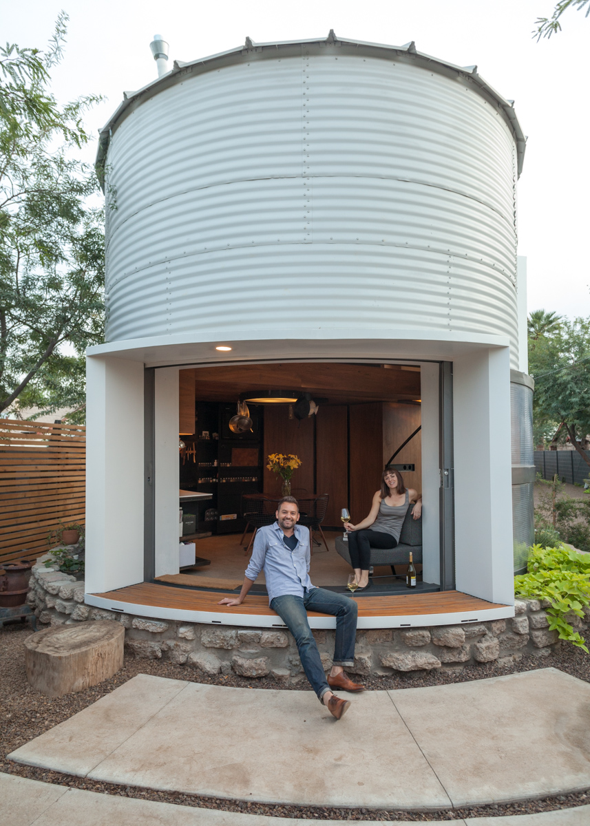 05-Christoph-Kaiser-Architectural-1955-Silo-Conversion-in-to-a-Home-www-designstack-co