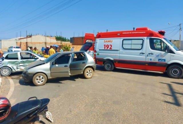 Gestante dá à luz dentro de carro, e veículo colide com outro antes de chegar ao Hospital, em Ibotirama