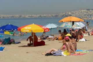 Σε αυτές τις πολυσύχναστες παραλίες της Αττικής δεν πρέπει να πάτε φέτος για μπάνιο!
