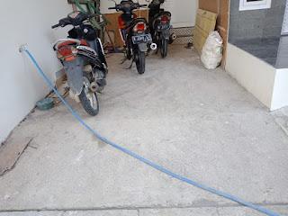 lantai garasi batu sikat