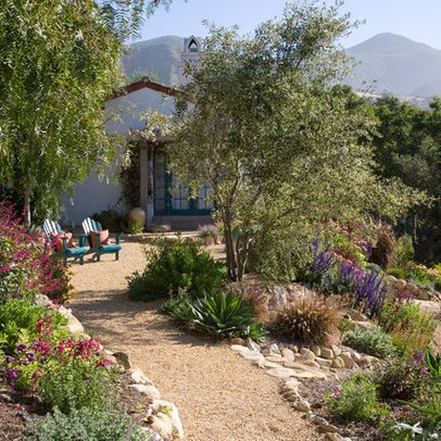 Casual casa gravel for natural garden paths for Garden design ideas half acre