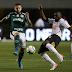 Palmeiras e Corinthians empatam em jogo maluco