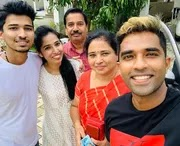 sachin baby with her family