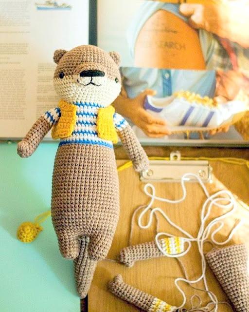 amigurumi otter crochet pattern