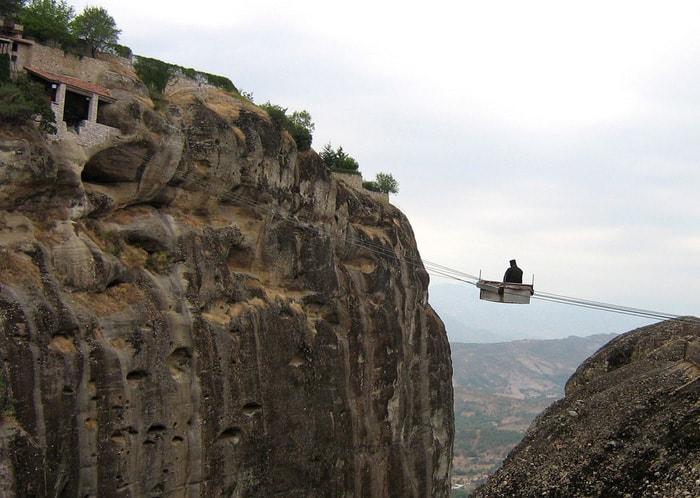Độc đáo tu viện Meteora lơ lửng trên núi tại Hy Lạp
