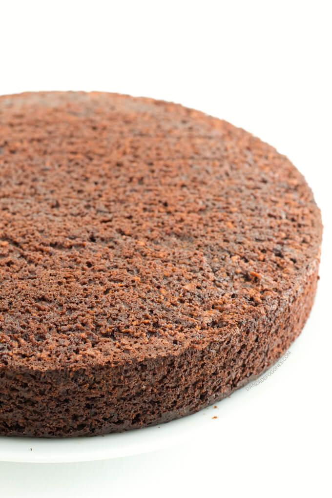 Vegan chocolate cake - danceofstoves.com