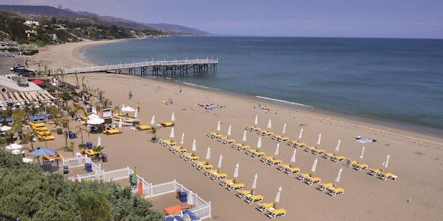 Ir com criança nas praias de Malibu