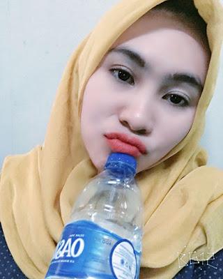 cewek manis dan igo manis dan bibir pink Cewek IGO Selfie Duck Face Bibir Monyong Cantik