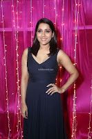 Rashmi Gautam in Black Sleeveless Gown at Zee Telugu Apsara Awards 2017 06.JPG