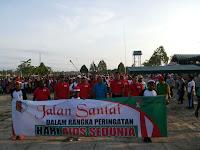 Bersama Masyarakat Boven Digoel Satgas Pamtas RI-PNG Yonif Mekanis 413  Kostrad Peringati Hari AIDS Sedunia