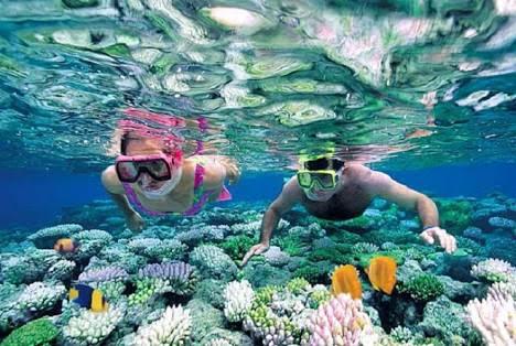 Pantai Senggigi dan Keindahan Snorkeling Lombok