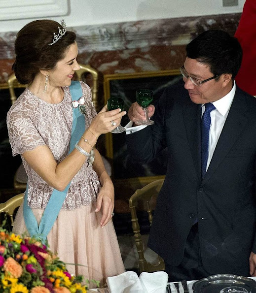 Danish Royal Family hosted a dinner in honour of Vietnamese President Truong Tan Sang and  Madam Mai Thi Hanh