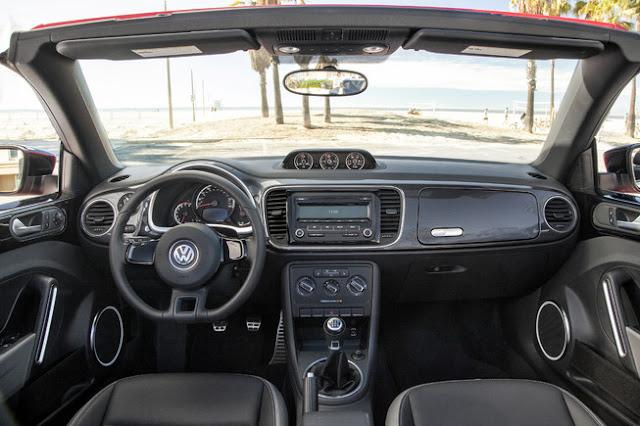 2013 Volkswagen Beetle Cabrio Dashboard