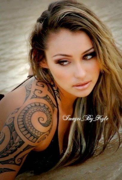 tatuajes polinesios para mujeres