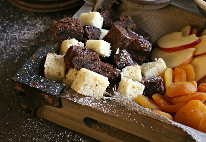 How-to-Build-a-Dessert-Treat-Board-3