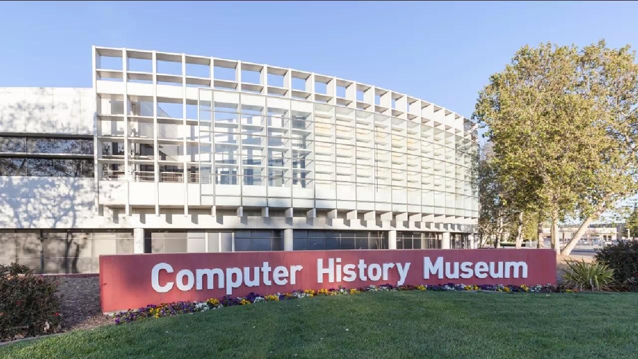 Sejarah Komputer dan Perkembanganya dari Generasi Pertama Sampai Sekarang