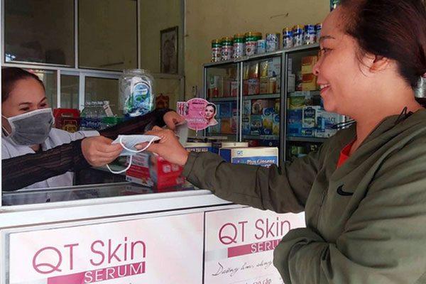 """Nghệ An: Rút giấy phép nhà thuốc bán khẩu trang y tế giá """"cắt cổ"""""""
