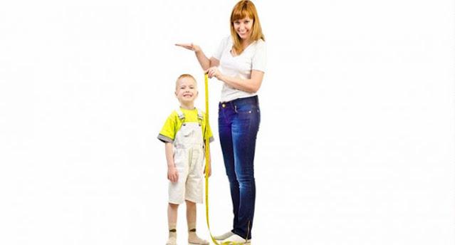 mengukur tinggi badan anak