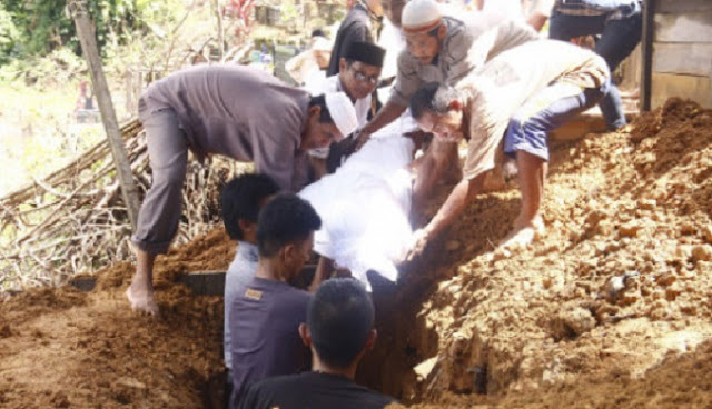 Innalillahi, Imam Shalat Tarawih Ini Jatuh Lalu Meninggal Saat Rakaat Ketujuh