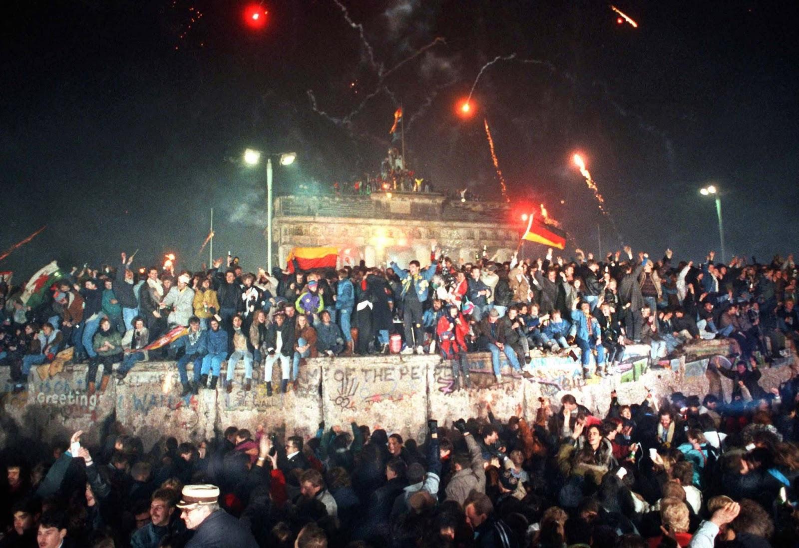 Der Tag Der Deutschen einheit, Mauerfall Berlin