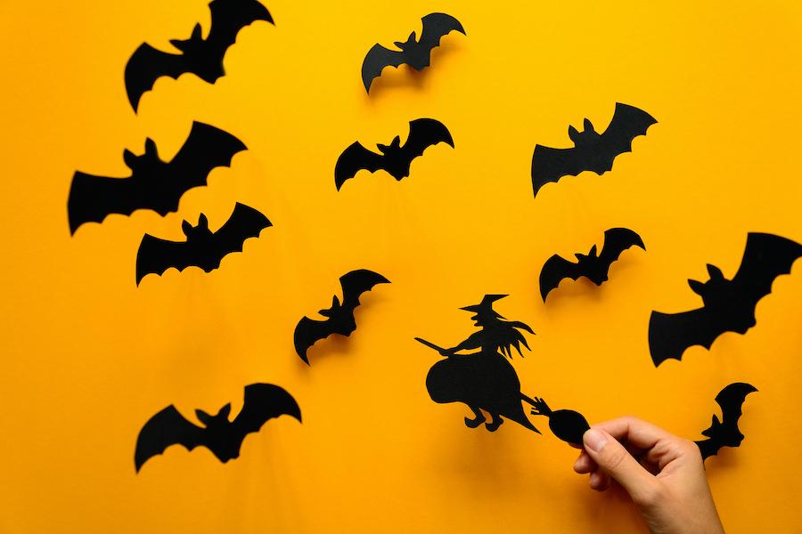recortables de murciélagos y brujas de cartulina para halloween