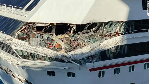 Cruise ships collide off Mexican port of Cozumel-2