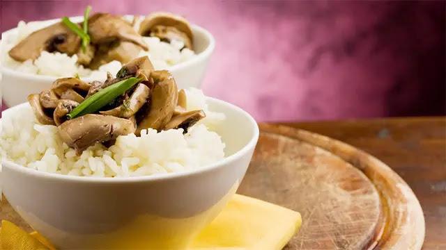 دراسة: طهي الأرز بشكل خاطئ قد يؤدي إلى الإصابة بالسرطان