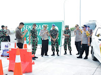 Pangdam Diponegoro dan Kapolda Jateng Pantau Rekayasa One Way Tol Brebes