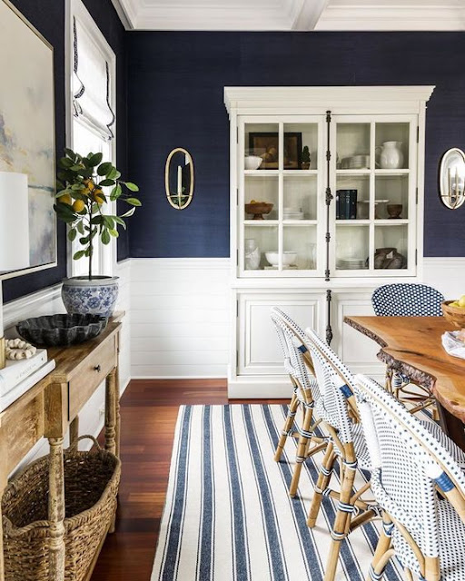 Blue and White Dining Rooms - Decor Inspiration
