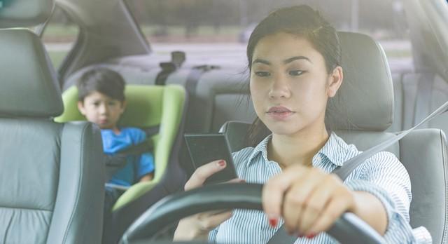 Tips Mengendarai Mobil Bersama Anak