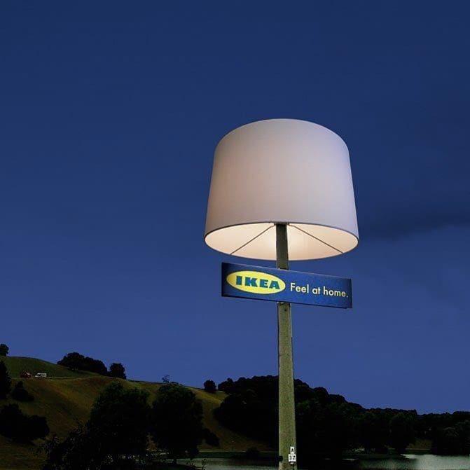 مصباح ايكيا في الشارع على عمود الإنارة تسويق غوريلا ماركتنق