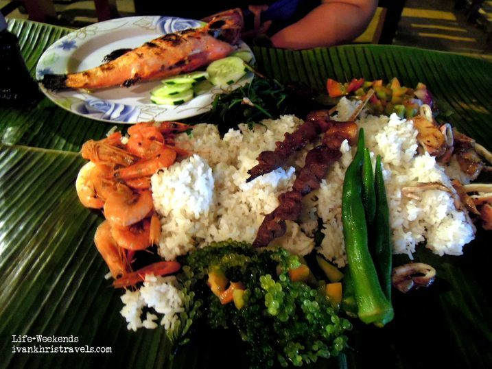 Boodle fight meal at baywalk in
