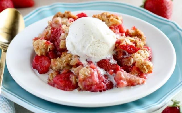 Strawberry Crisp #desserts #strawberry