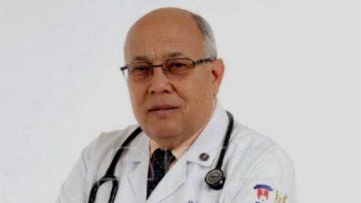 Exministro de Salud dice la vacuna no debe ser la única opción contra covid