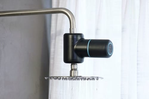 Shower Power Hydroelectric powered amplifier